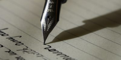 Een pen laten graveren met boodschap